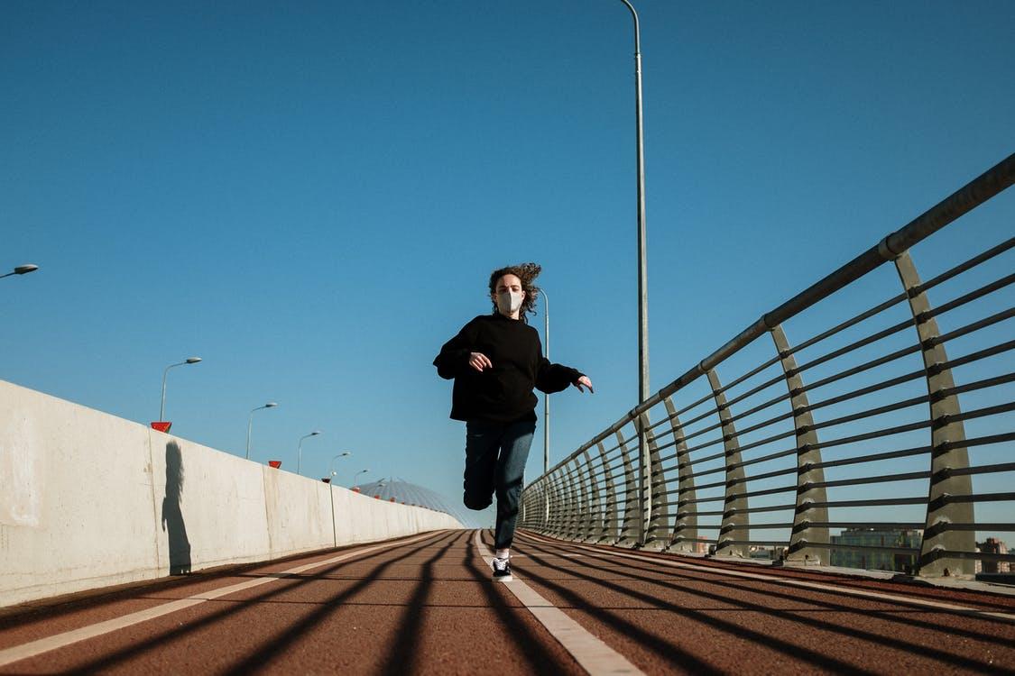 3 pasos para volver a hacer ejercicio después de tener COVID 19